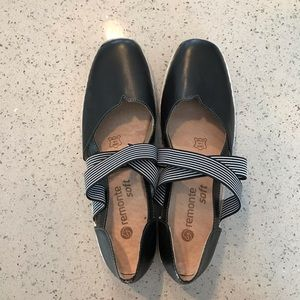 Remonte by Rieker Mary Jane leather shoes NWOT 8.5
